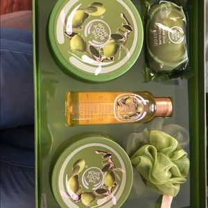 The Body Shop Olive Oil Set